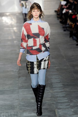 images/cast/00000496951432034=my job on fabrics x=peter pilotto - fal 2011l